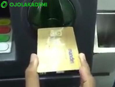 masukkan kartu