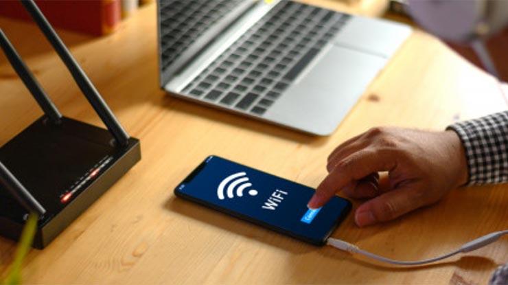 8 Terhubung dengan Koneksi Internet Lancar